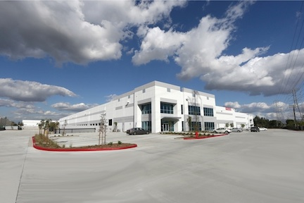 Regal_Logistics_new_facility_at_2201_East_Cerritos_Avenue,_Anaheim,_CA_92806